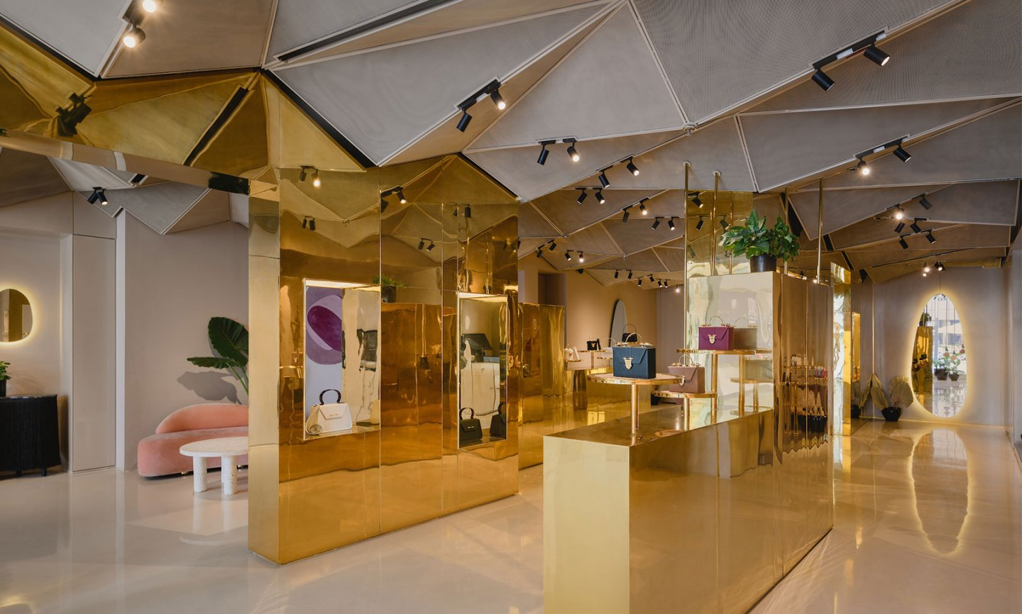 Okhtein Flagship Store - project overview image